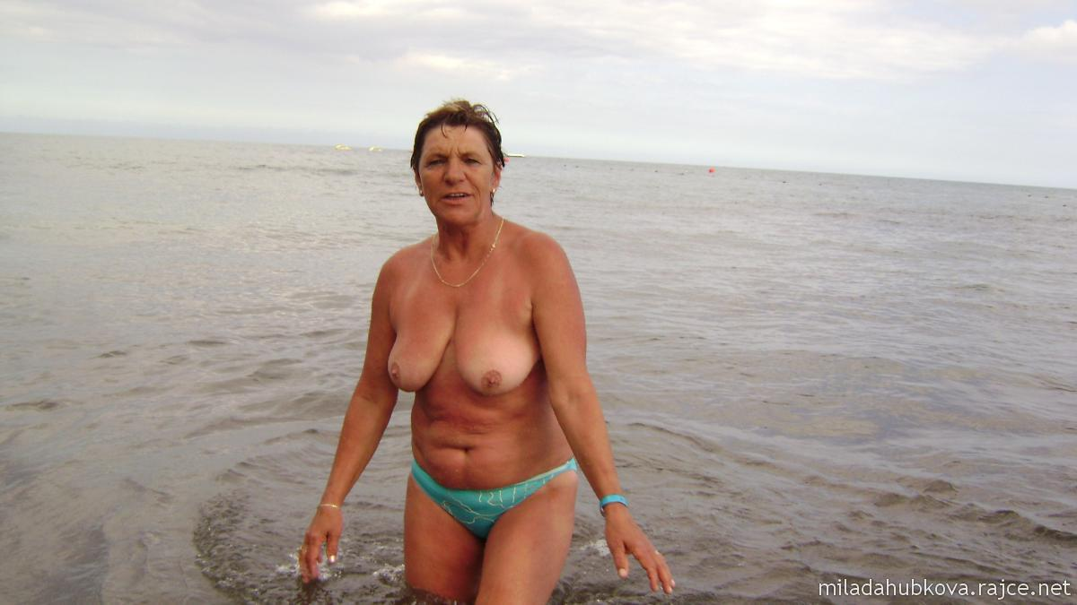 rajce.idnes.nude girls 22