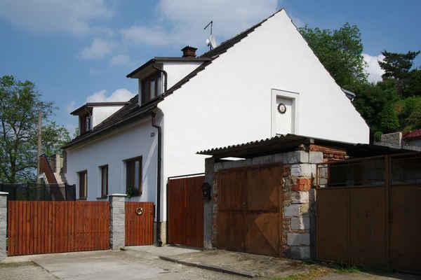Slatina čp. 109  - Pustina Jaroslav, Pustinová Hana (dříve Mackovi)