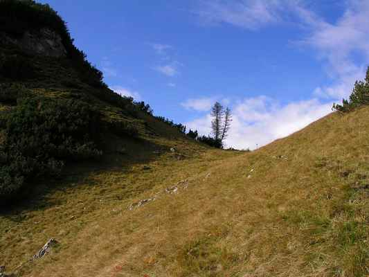 091010 47s - sedýlko u Krallerspitz, 10 minut od hotelu, z něho se otevře rozhled do doliny Oderntal