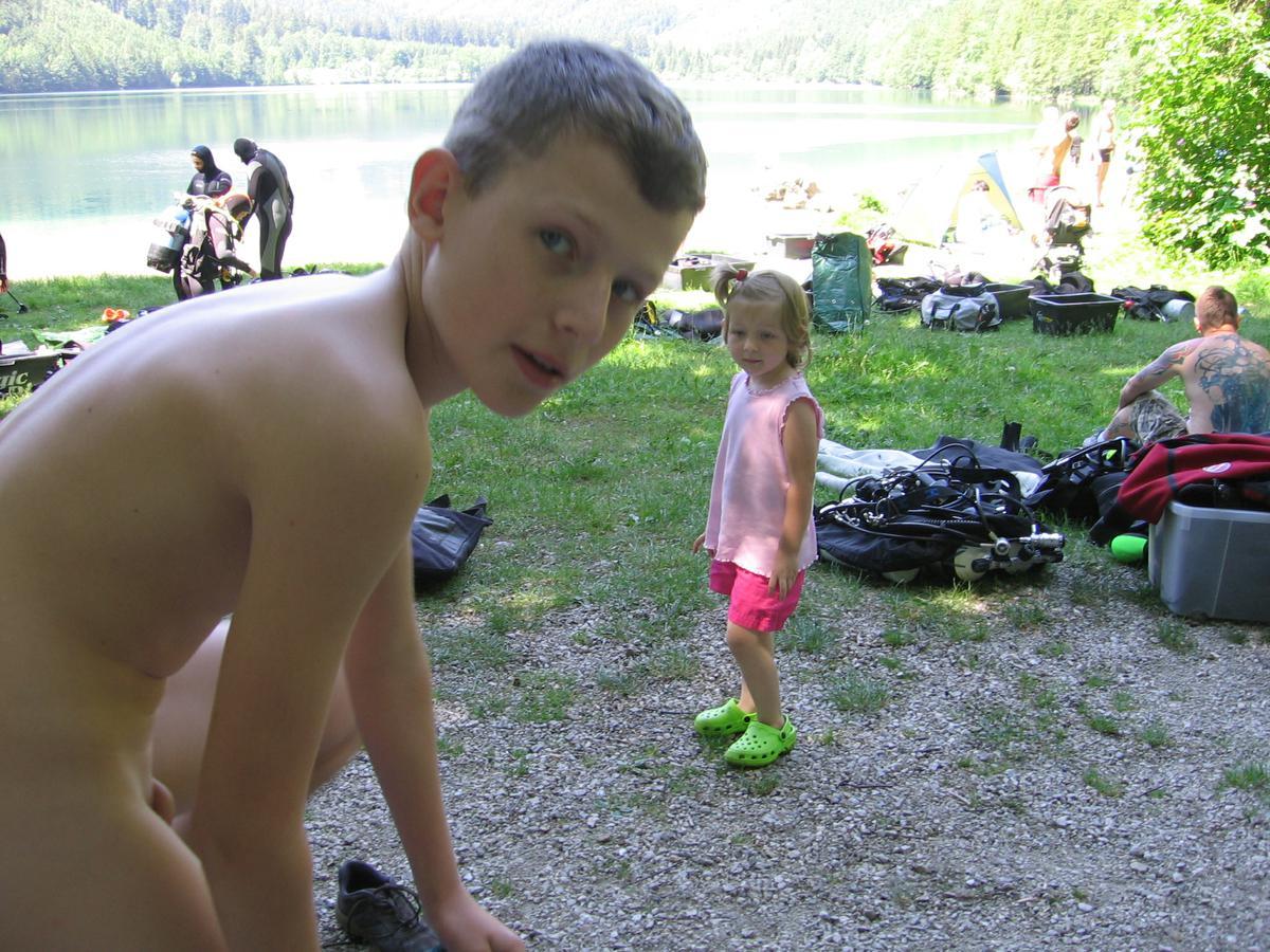 rajce.idnes. boy Rakousko-Vorderer Langbathsee-červen2009 – Potápěčský klub Nautilus Chodov  – album na Rajčeti