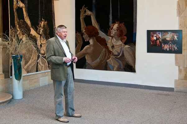 """Slavnostní vestibul - přednáška O. Palaty o jedné tapiserii - """"Ovidius, Botticelli a Jan Hladík"""""""