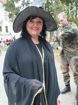 Paní Miroslava Holasová.