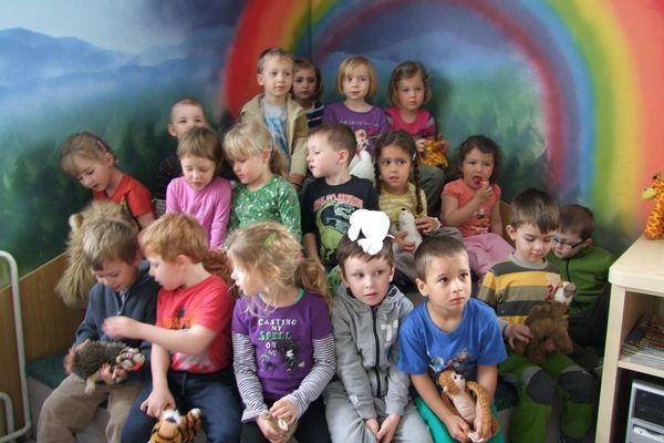 Kapičky v knihovně - návštěva z MŠ - 6.5.2013