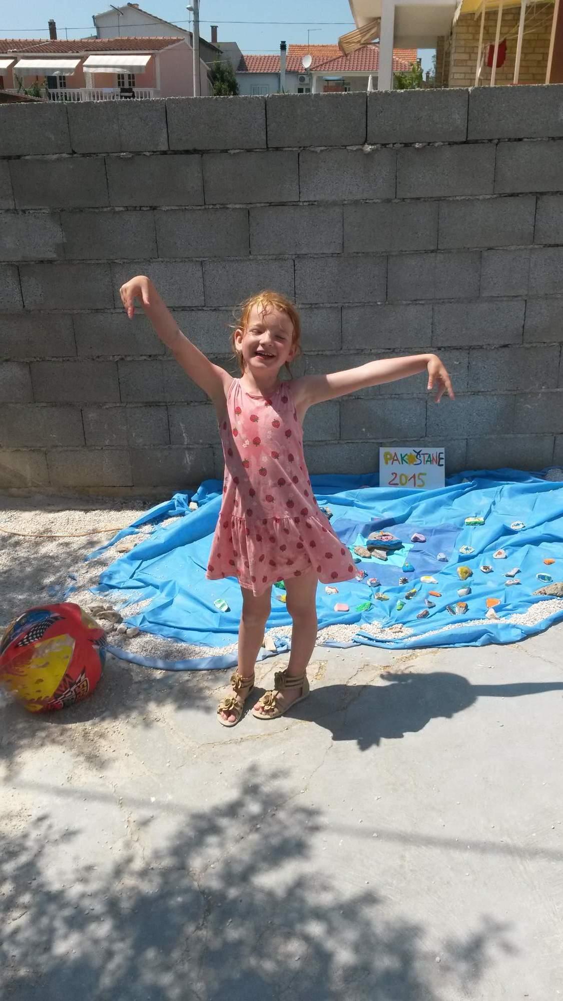 Idnes Rajce : Klárka sama na prázdninách u Chovancových