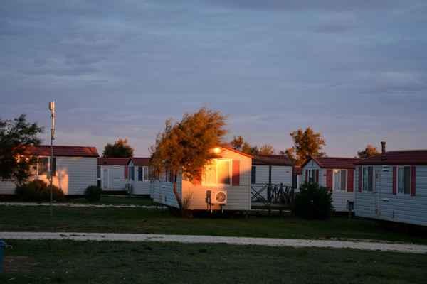 zapadající sluníčko na mobilním domku