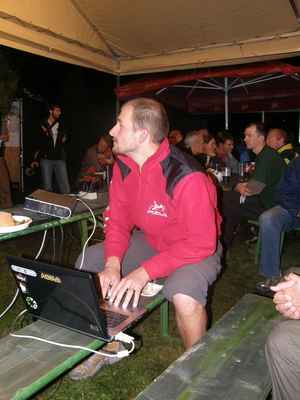Sobota - Honza připravuje promítání o cestě po Himaláji